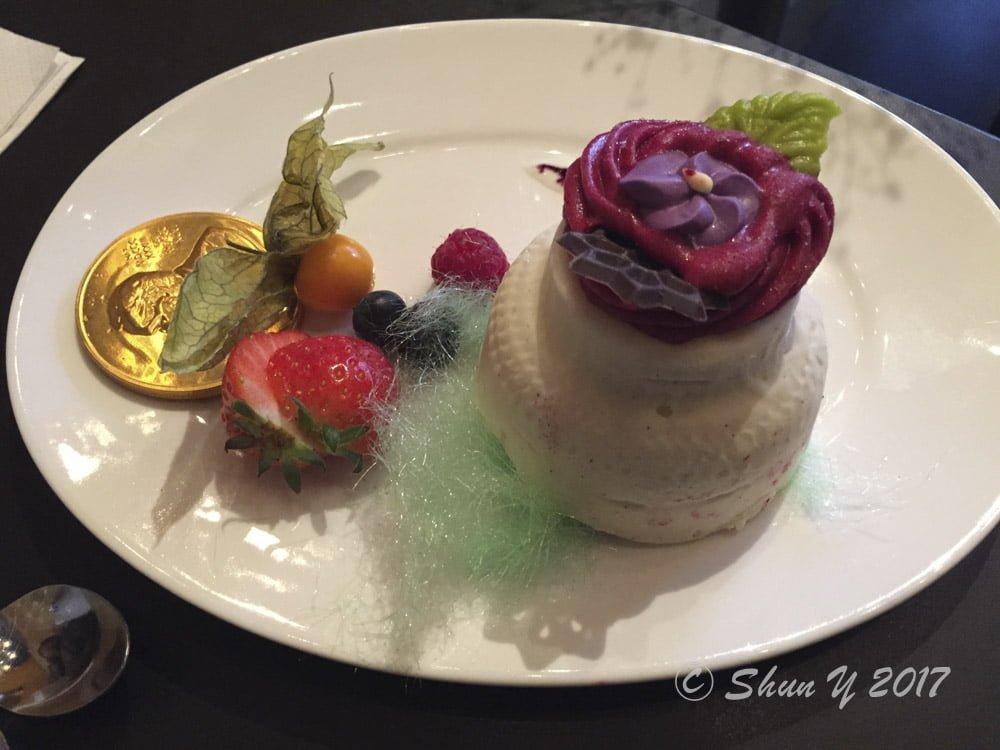 ノーベル賞授賞式デザート