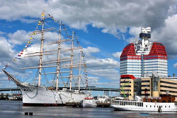 Sweden-Gothenburg-Lipstick-Building-Barken-Viking