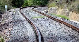 train-445392_960_720