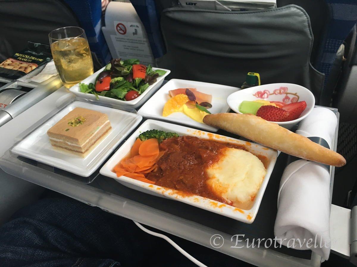 ポーランド航空機内食