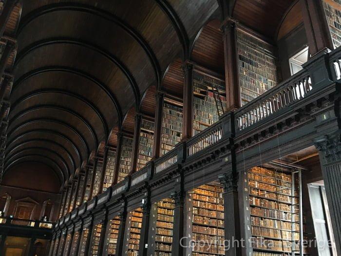 トリニティカレッジ図書館