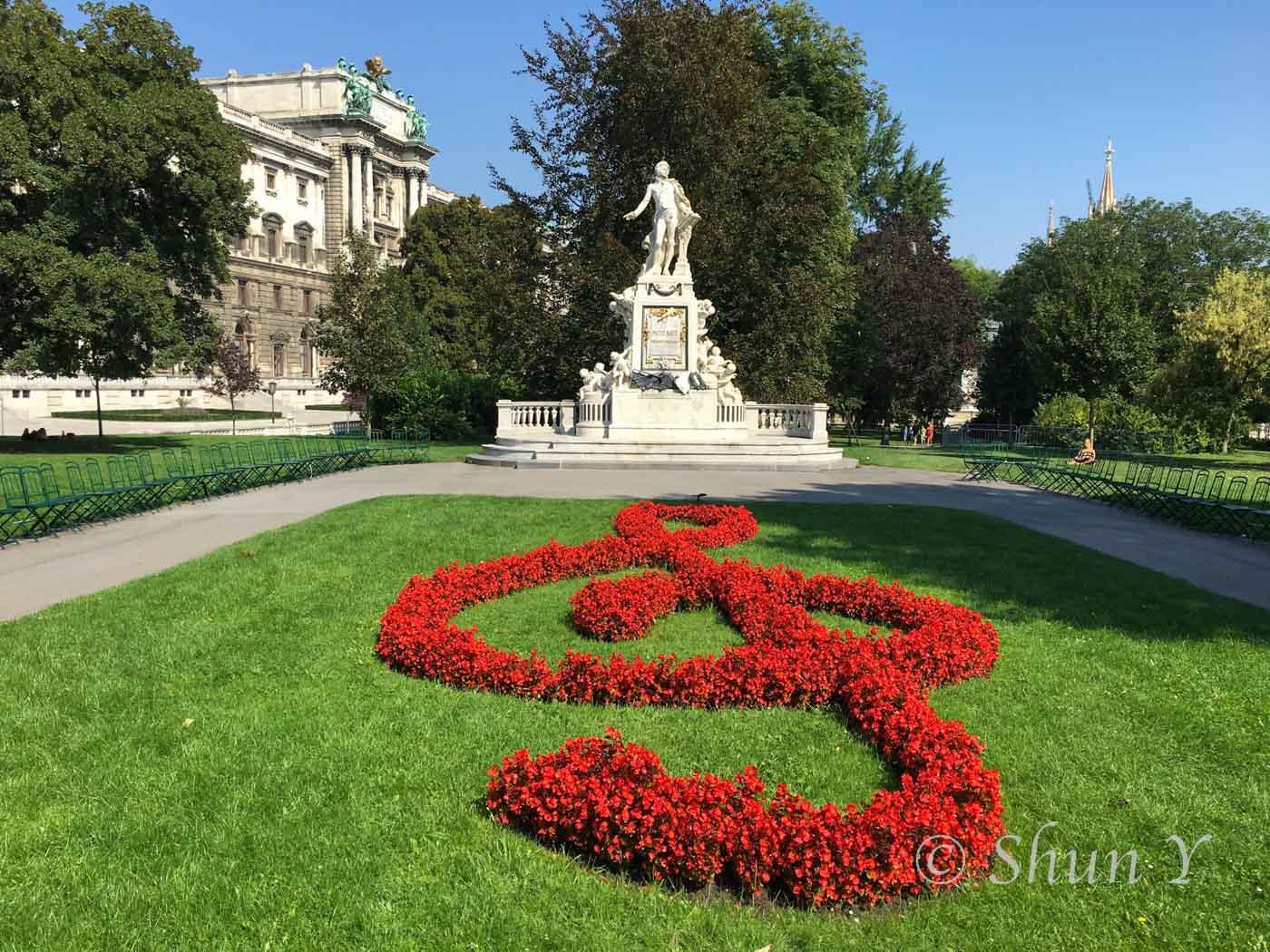 モーツァルト記念像