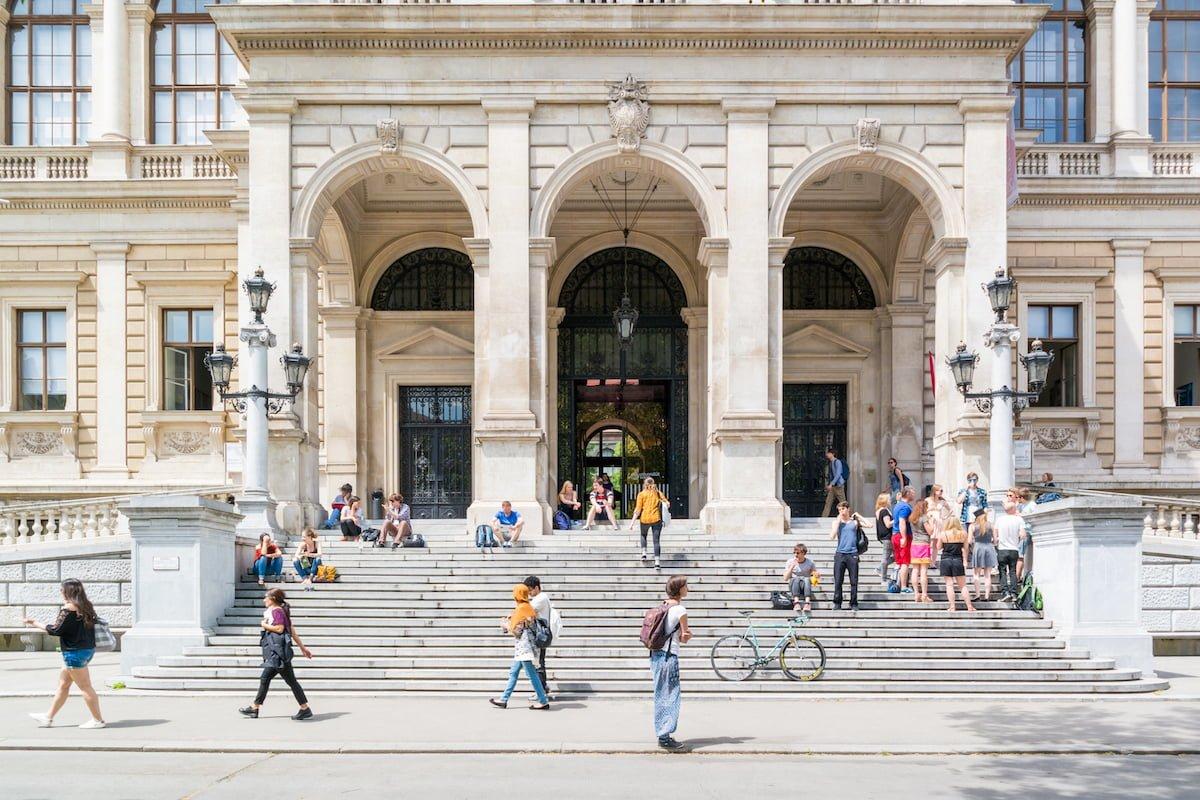 ウィーン大学(購入)