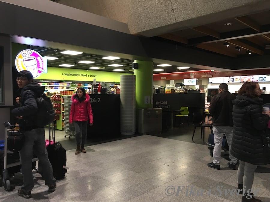 ケフラヴィーク空港SIM