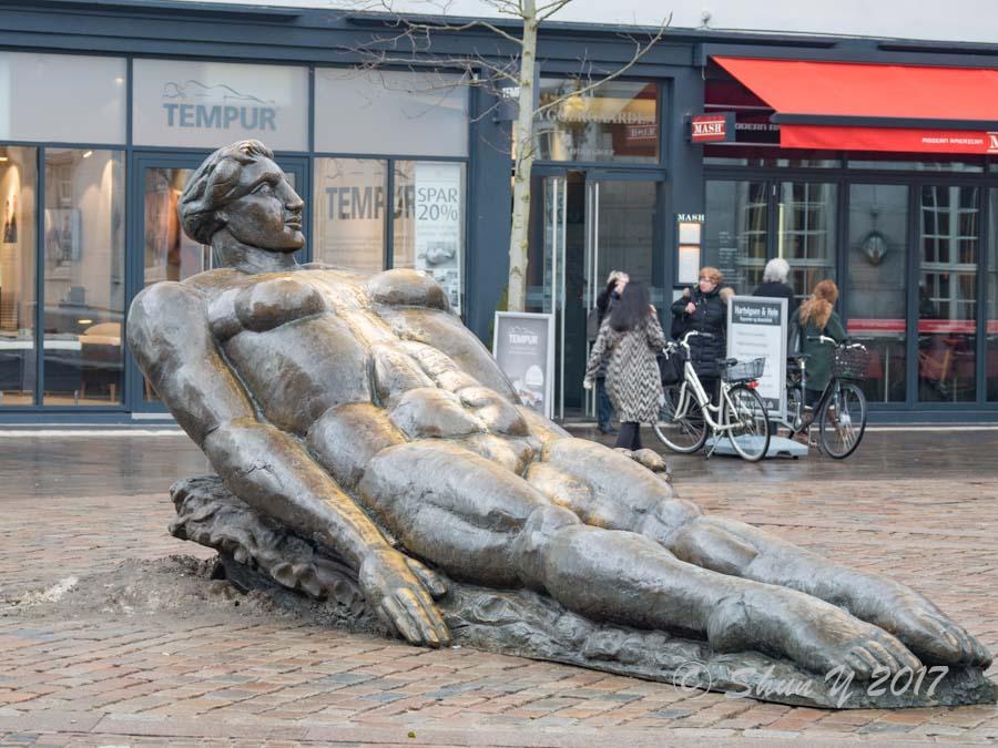 オーデンセの銅像