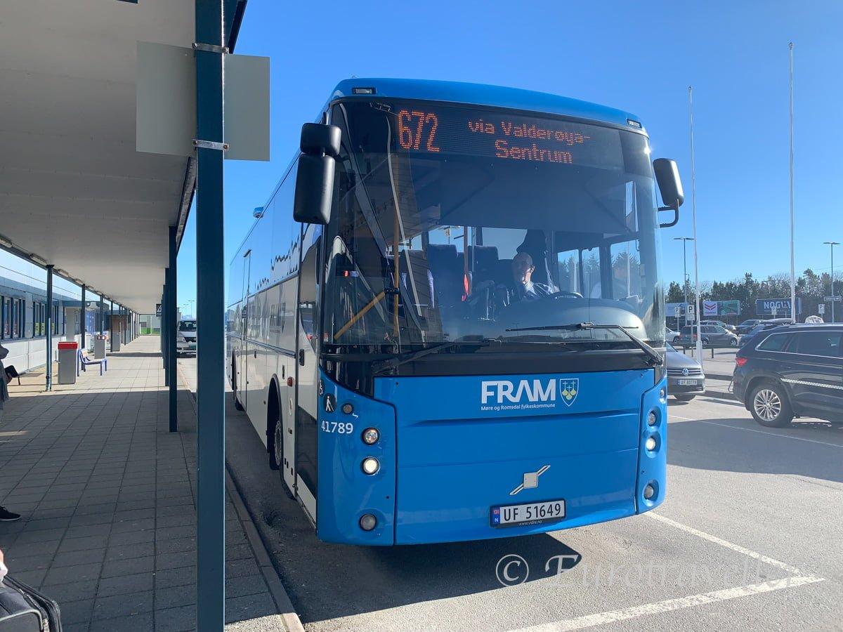 オーレスン空港アクセスバス