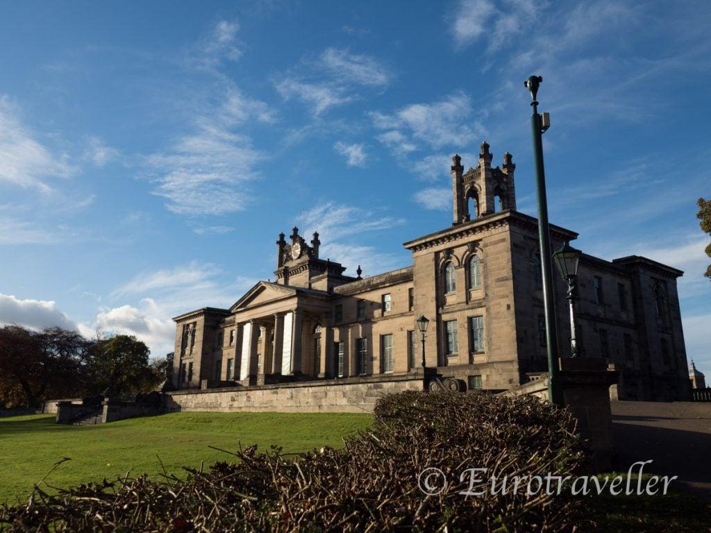 スコットランド国立近代美術館