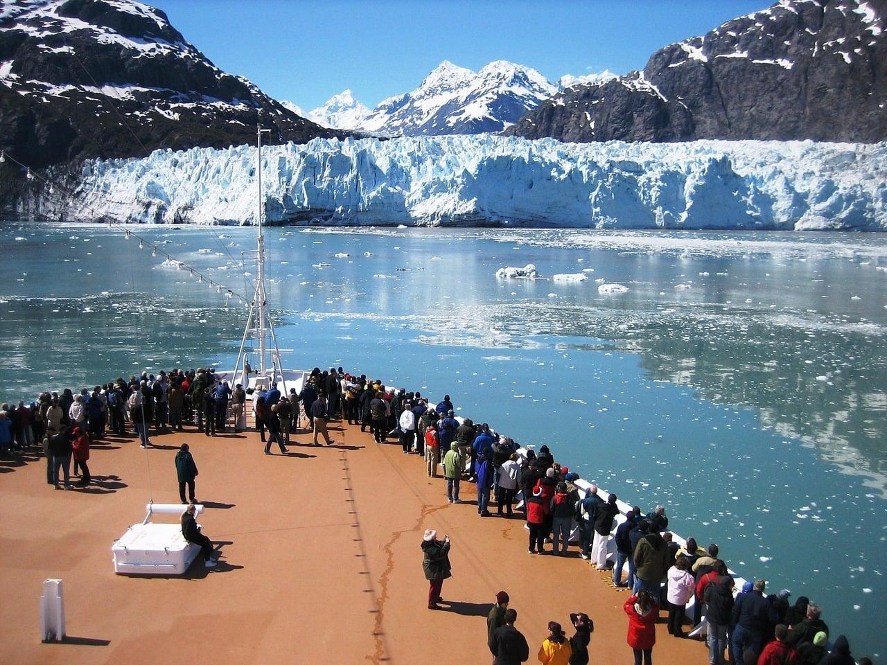 氷河クルージング