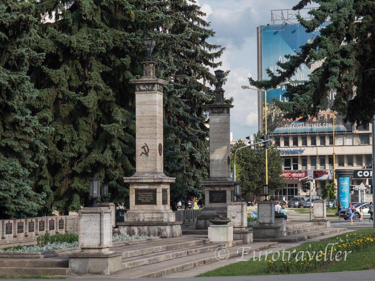 赤軍記念碑