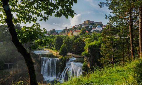ヤイツェの滝