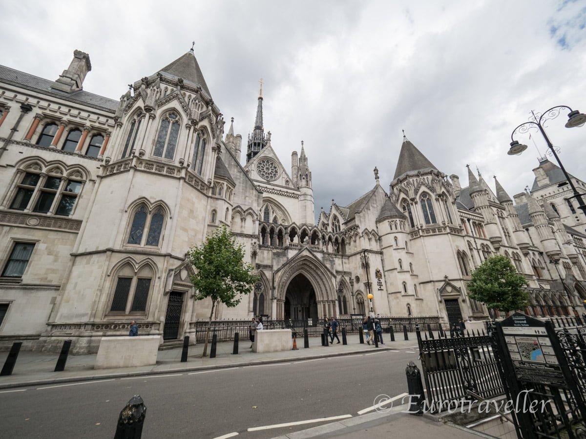 王立裁判所